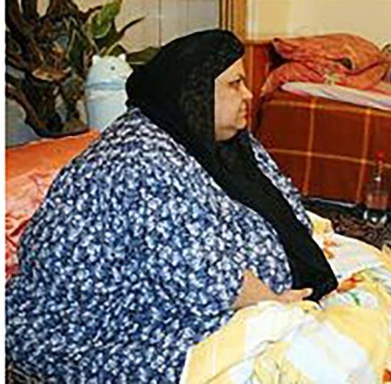 انتقال زن 400 کیلویی گیلانی به بیمارستان (عکس) 1