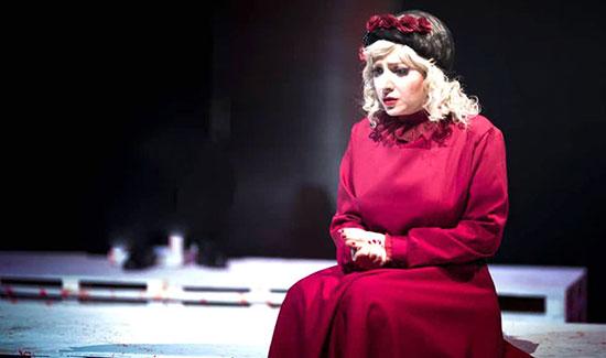 آیا حضور بازیگران زن فروش تئاترها در تهران را تضمین می کند؟ 1