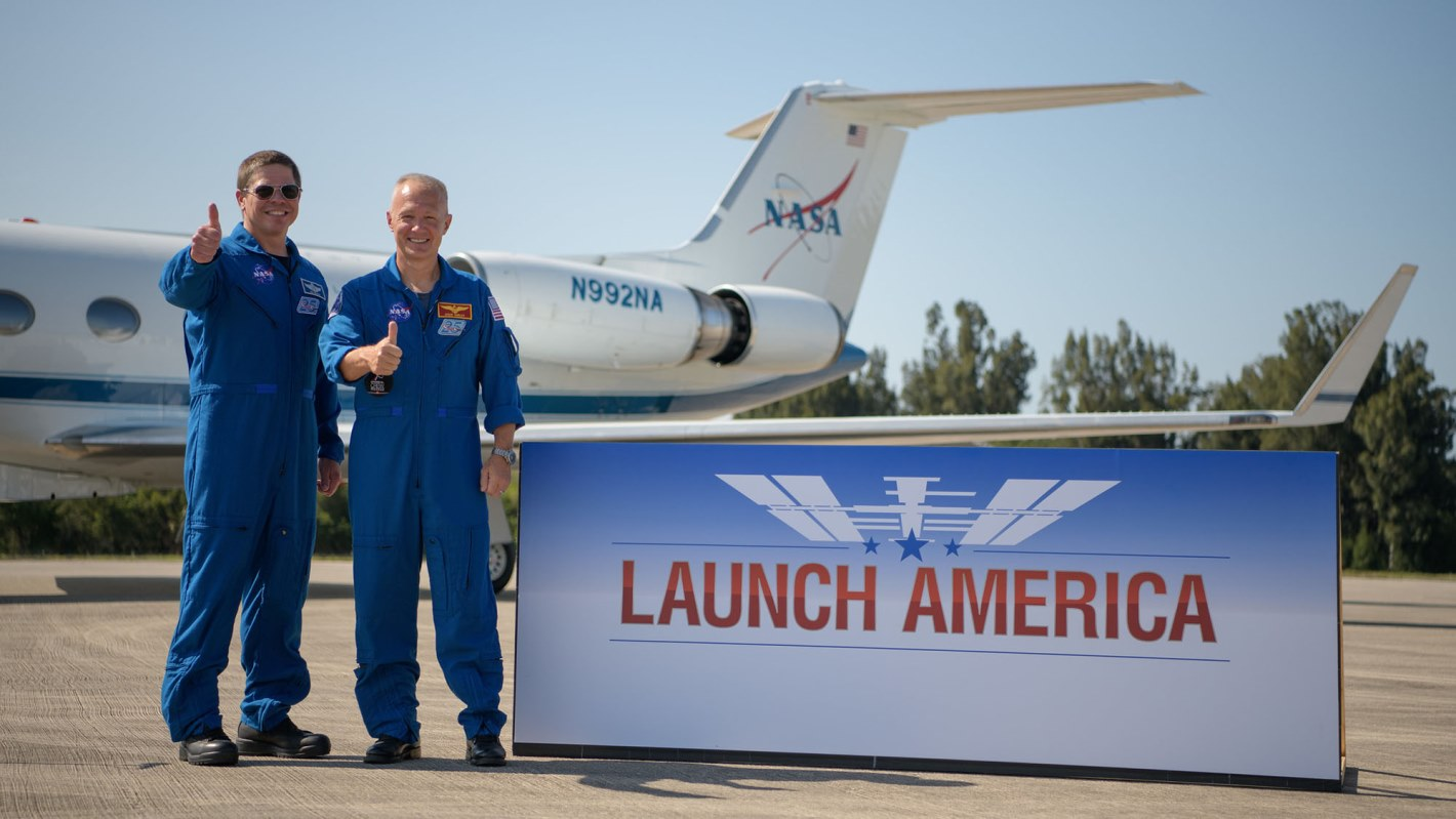 فضانوردان برای پرتاب تاریخی به فضا آماده هستند 1