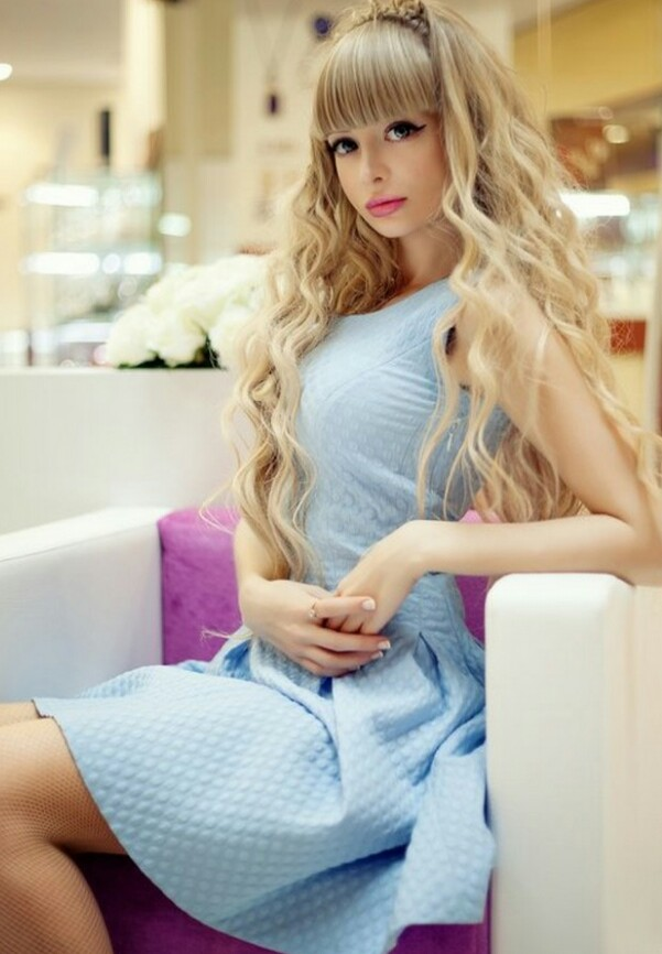 زیباترین دختر روسیه معروف به باربی 1