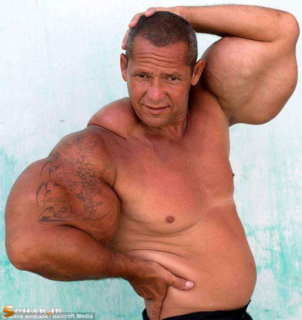 [تصویر:  fake-biceps2.jpg]
