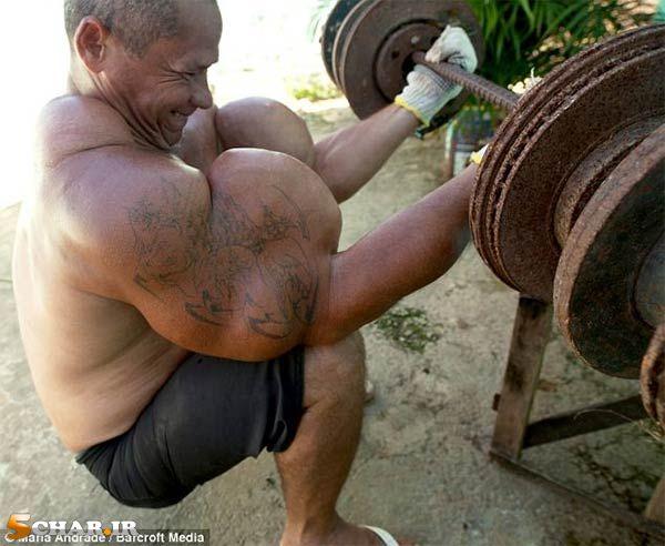 [تصویر:  fake-biceps4.jpg]